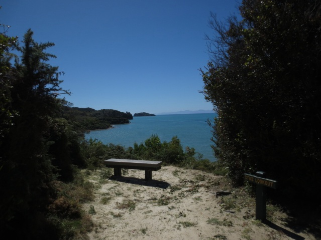 Plenty of awesome lookout-points along the track