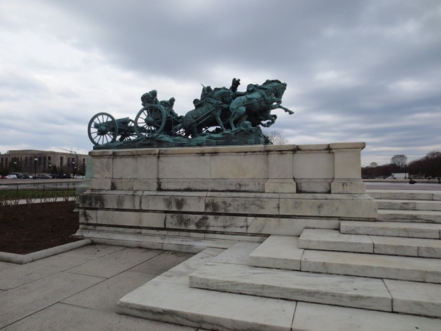 Soldiers on each side defend/charge at Ulysses S. Grant's statue