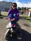 Down by the harbour there are more sculptures. Found some turtles to sit on \o/