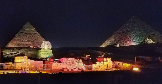 Light show on the Great Pyramids