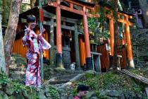 Fushimi Inari photo bomb!