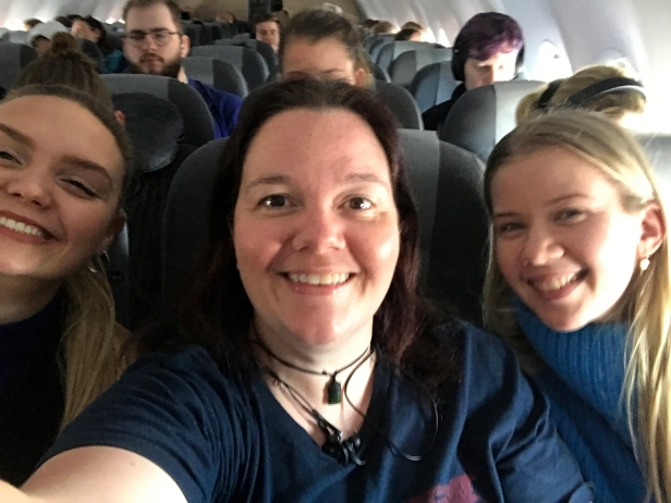 Isabell, AK & Frida - met these girls on the plane home